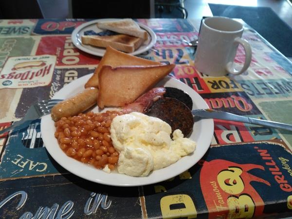 Breakfast at Café Nairn